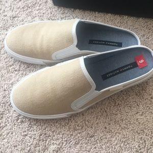 1861274192c4 Tommy Hilfiger Shoes - ❗️SALE❗️Tommy Hilfiger Frank women s shoes